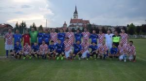 Svećenici nogometaši na proslavi 85. rođendana NK Mladost MB 5