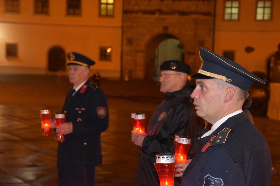 Lampioni za sjećanje na Vukovar3