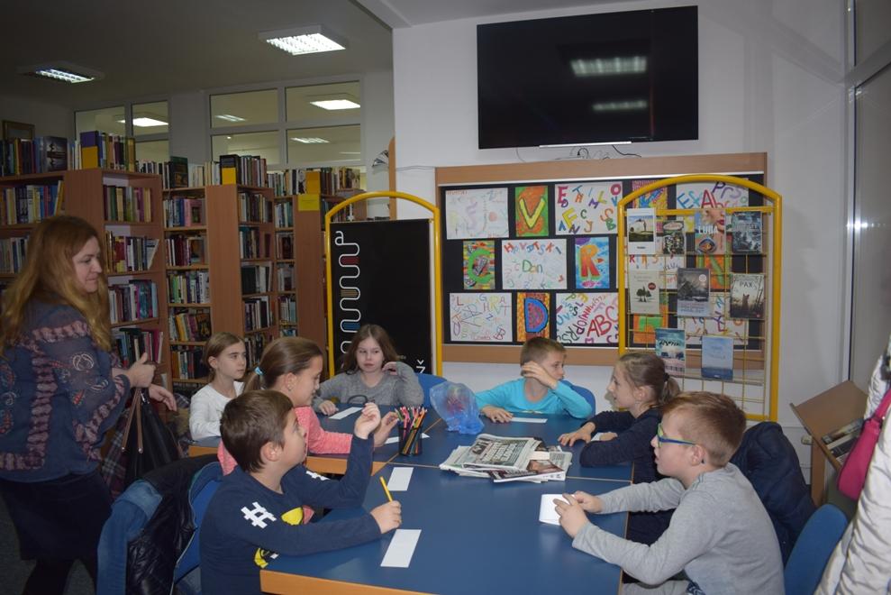 Učenici PŠ Laz posjetili knjižnicu2