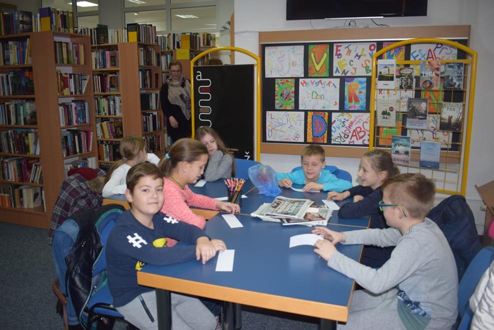 Učenici PŠ Laz posjetili knjižnicu3
