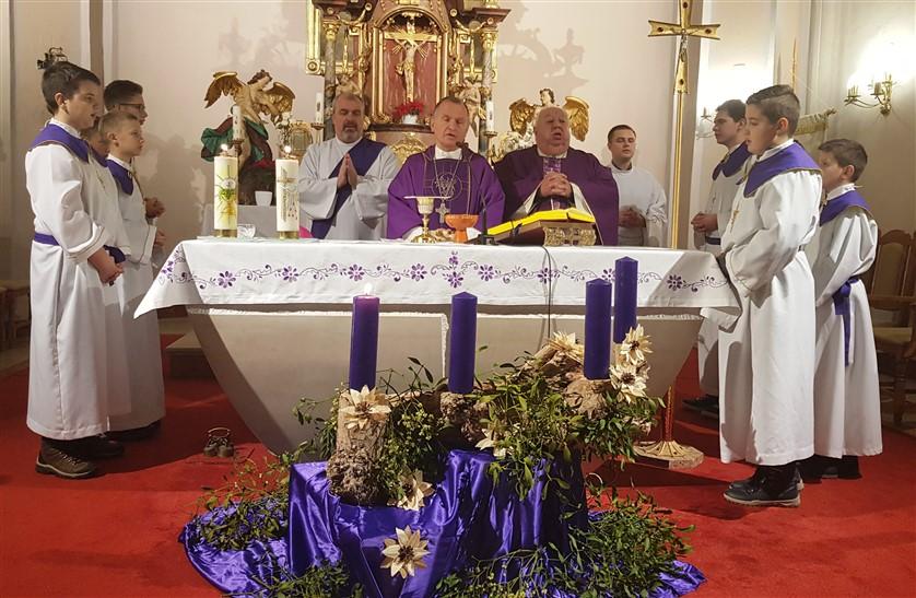 Molitveno bdijenje uoči prve nedjelje došašća i nedjeljna misa zornica u Zaboku 2