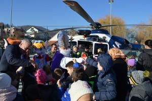 U Krapinu Sveti Nikola stigao helikopterom