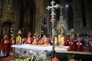 Kardinal Bozanić predvodio zahvalno euharistijsko slavlje proslave Stepinčeva i završetka sinodskih zasjedanja