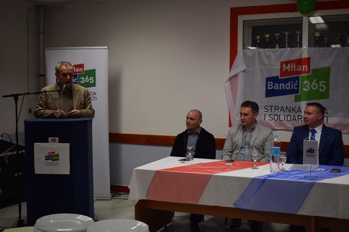 Milan Bandić na osnivanju podružnice stranke u Bedekovčini3