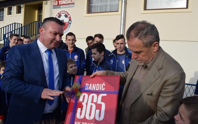 Milan Bandić na osnivanju podružnice stranke u Bedekovčini8