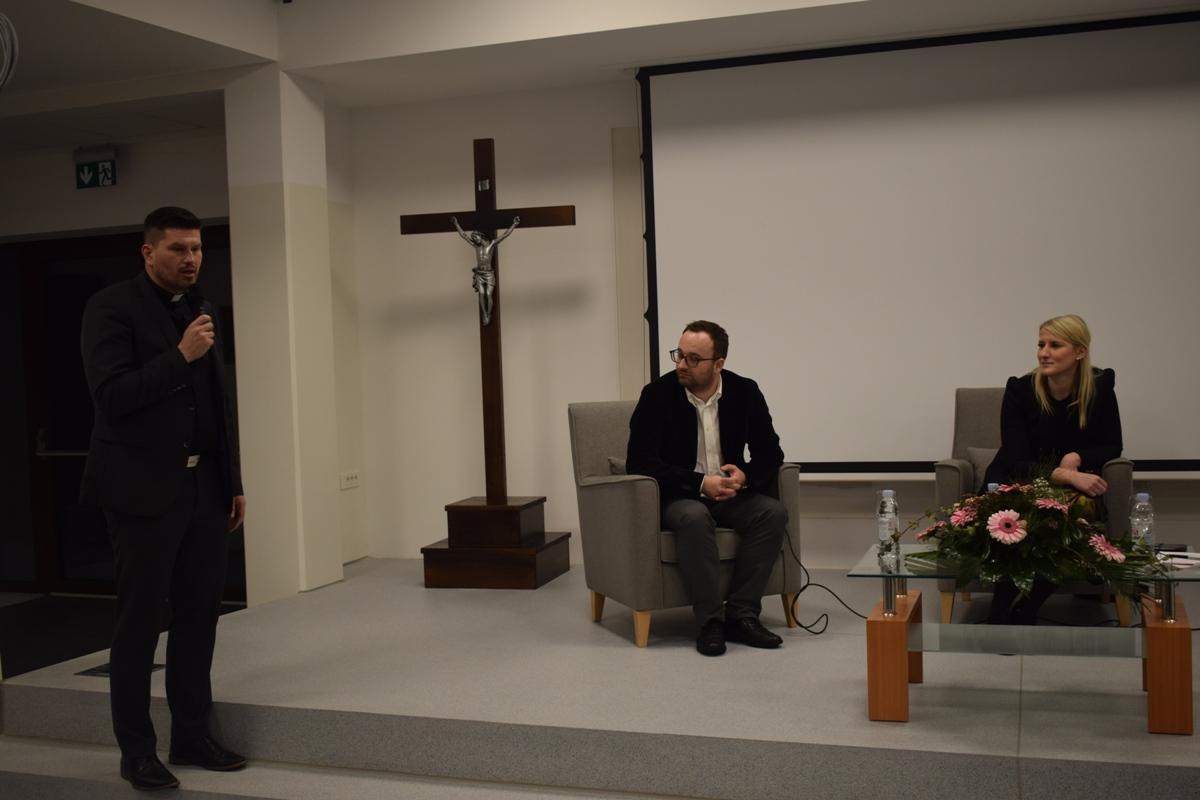 Održana još jedna korizmena tribina u Svetištu MBB-e17